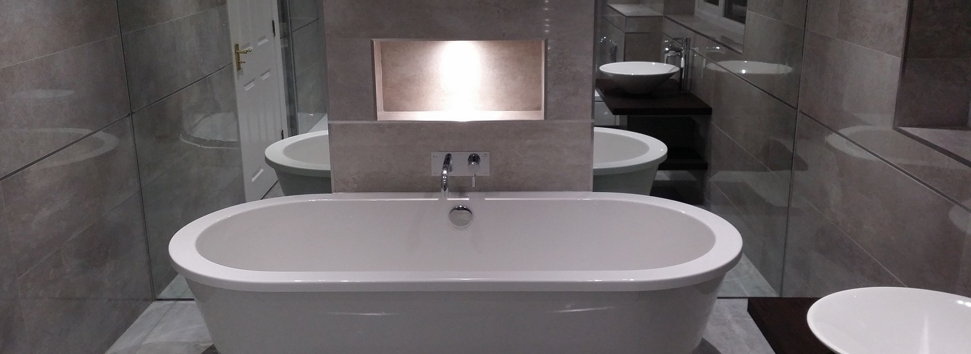 Bathroom fitters grace hanson bathroom fitters wirral for Bathrooms liverpool